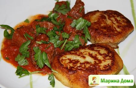 Рагу из говядины с картофельными котлетами