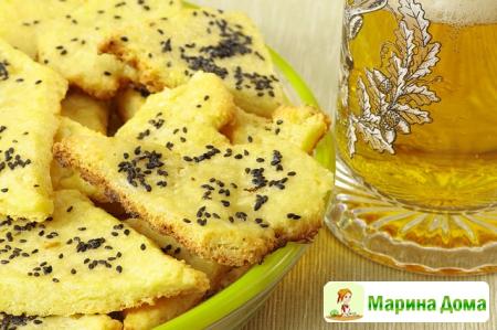 Сырное печенье к пиву