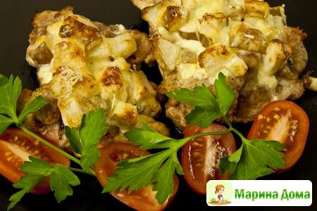 Филе курицы, запеченное с грушами и сыром