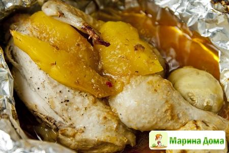 Курица в фольге  с манго и соусом в азиатском стиле