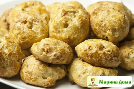 Пирожные с сыром с голубой плесенью (Гужере)