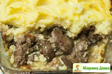 Картофель, куриная печенка, шампиньоны и бекон
