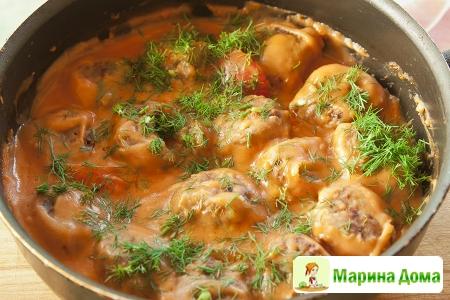 Мясные тефтели в томатном соусе бешамель (keftedes stin armi) Греческая кух ...