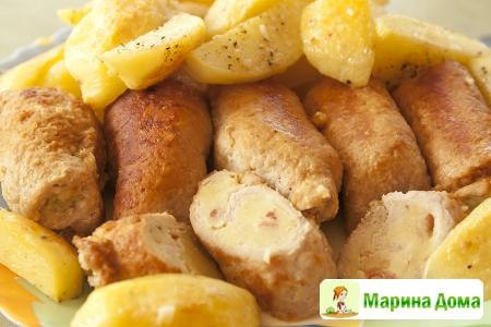 Рулеты из шницелей или корейки с картофелем