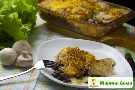 Запеканка из картофеля с грибами, тимьяном и сыром