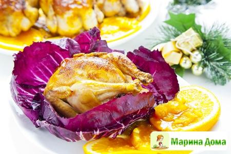 Жареные цыплята-корнишоны с соусом из апельсинов