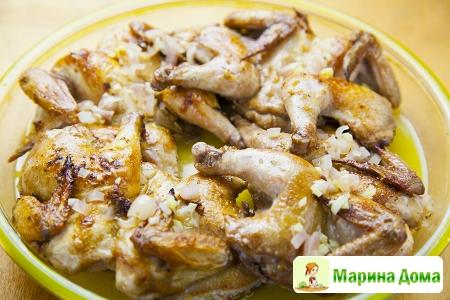Цыплята-корнишоны в остром маринаде с имбирным соусом