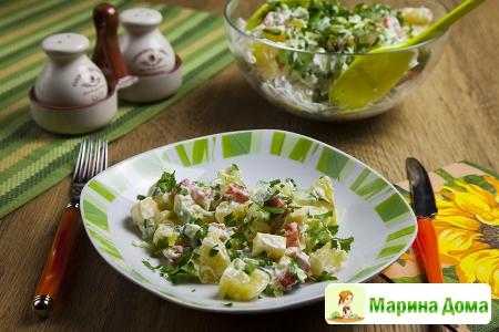 Салат с семгой, картофелем и сыром