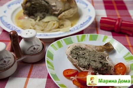 Курица с розмарином, фаршированная шампиньонами