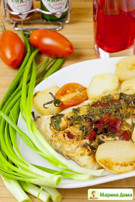 Маринованная треска, запеченная в духовке с овощами