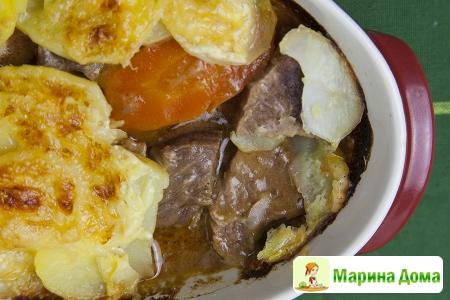 Рагу из говядины с картофельной корочкой