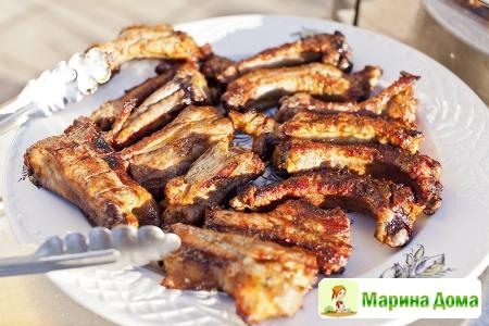 Ребрышки свиные в сладко-остром маринаде на мангале