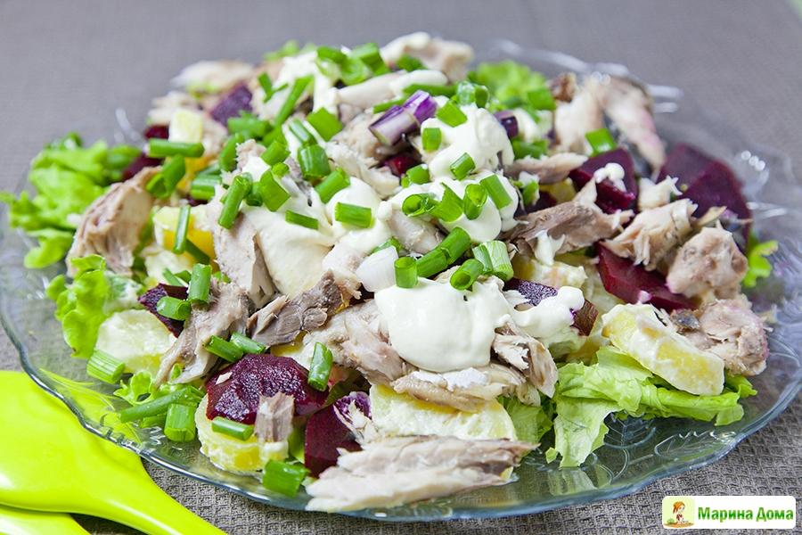 салат из копченой скумбрии рецепт с фото