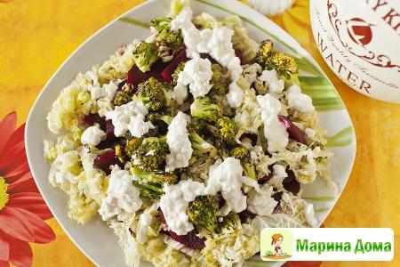 Салат из маринованной свеклы и брокколи