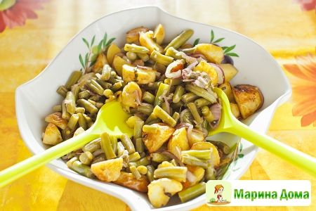 Салат из запеченного картофеля и фасоли