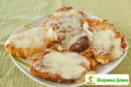Куриные грудки с сыром и помидорами
