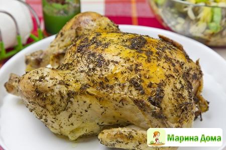 Курица, запеченная  с травами