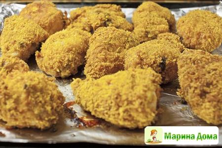Куриные голени в хрустящей панировке с пикантным соусом