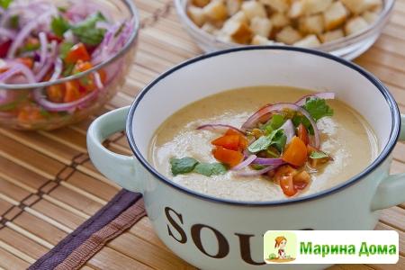 Суп-пюре из цветной капусты с чечевицей