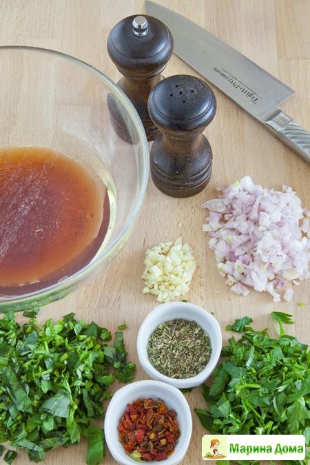 Говядина с соусом чимичури. Рецепт из моей книжки.