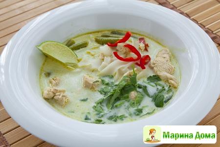 Тайский зеленый суп с курицей